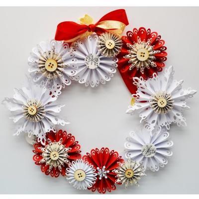 Výřez - Skládané rozety 6, malé, bílé, červené, 8 ks - 3